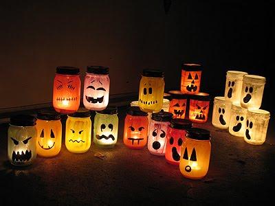 Porta lamparas para Halloween con botes reciclados